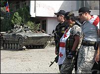 Игоэти: грузинские полицейские и российские военные лицом к лицу