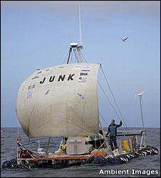 Junk raft c: Peter Bennett/Ambient Images
