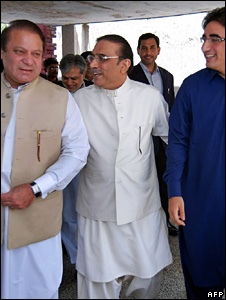Asif Ali Zardari (middle), Bilawal Bhutto Zardari (right) and Nawaz Sharif[left)