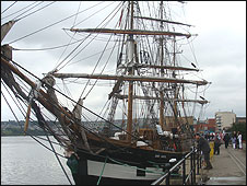 Replica famine ship the Jeanie Johnston