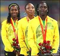 Tres jamaiquinas, tres medallas: Shelly-Ann Fraser. oro, y dos de plata: Kerron Stewart y Sherone Simpson.