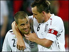 Joe Cole is congratulated by England skipper John Terry after his late equaliser in the 2-2 draw against the Czech Rep