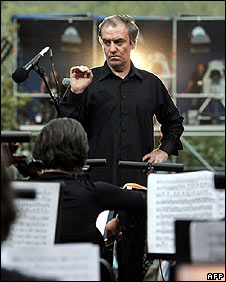 Valery Gergiev conducts in Tskhinvali on 21 August