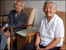Wang Xiuying (r)  and Wu Dianyuan