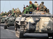 Российские войска на трассе Гори-Тбилиси у Хурвалети