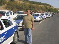 Полицейские машины (фото Кети Бочоришвили)