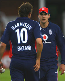 Steve Harmison and Kevin Pietersen