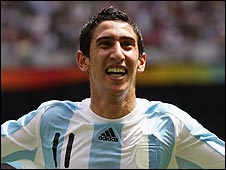 Angel di Maria celebrates scoring against Nigeria
