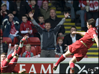 Derek Young scores for Aberdeen