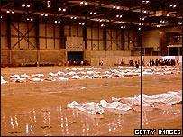 Vítimas de la tragedia de Spanair yacen en el centro de convenciones de IFEMA