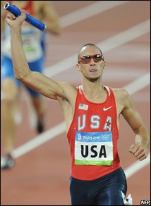 It falls to the USA - and Jeremy Wariner - to win the last gold on the track - the men's 4x400m