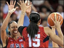 US women's basketball team celebrate gold