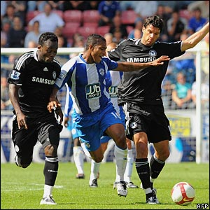Antonio Valencia, Wigan Athletic; Michael Essien, Michael Ballack, Chelsea