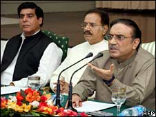 Asif Ali Zardari (right)