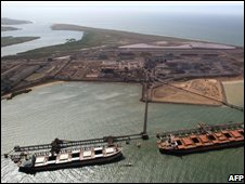 Bulk iron ore loading operation