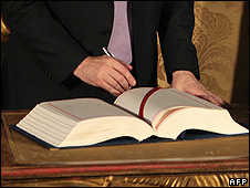 Lisbon Treaty signing ceremony, 13 Dec 07