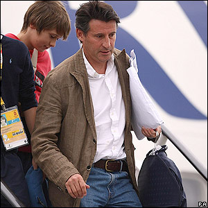 Lord Coe leaves the plane