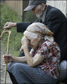 Elderly Georgians wait to be evacuated, 21/08
