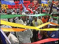 Miles de simpatizantes se congregaron frente a la Casa Presidencial en apoyo del ALBA.