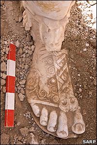 Foot of Marcus Aurelius statue (SARP)
