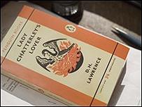 Ejemplar del Amante de lady Chatterley de Penguin