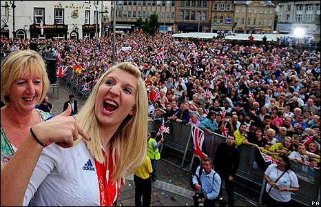 Rebecca Adlington on the open top bus