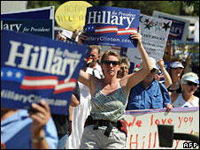 Clinton supporters march in Denver, 26 Aug 2008