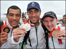 Barnes (right) with the other Irish medallists Darren Sutherland and Kenny Egan