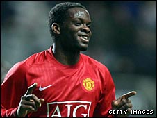 Louis Saha in action for Manchester United