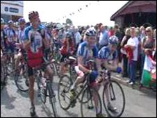 Nicole Cooke and cyclists