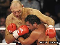 Nikolai Valuev (left) and John Ruiz