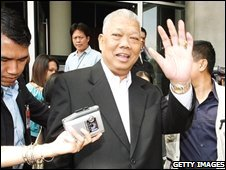 Thai Prime Minister Samak Sundaravej outside the National Broadcasting Service of Thailand in Bangkok (31/08/2008)