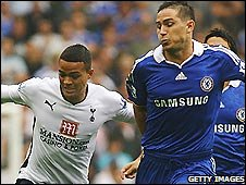Tottenham midfielder Jermaine Jenas (left) battles with Chelsea counterpart Frank Lampard at Stamford Bridge