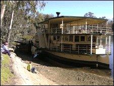 Cumberoona paddle steamer