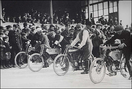 Motorcycle races were also held at the velodrome.