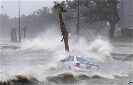 A car is washed away in Gulfport, Mississippi, 01/09