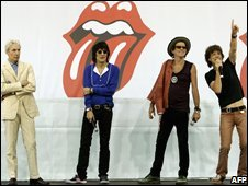 Rolling Stones announce their world tour in 2005