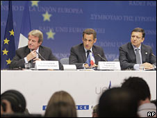 From left to right: French Foreign Minister Bernard Kouchner, French President Nicolas Sarkozy and European Commission head  Jose Manuel Barroso