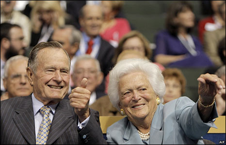 Former President George HW Bush and his wife, Barbara