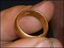 ring found at the bottom of the sea