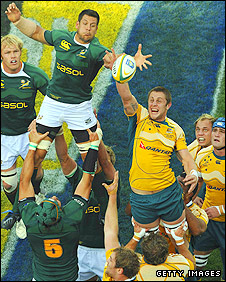 South Africa and Australia contest a line-out during the Tri-Nations