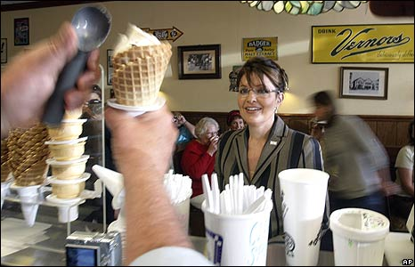 Sarah Palin gets an ice cream cone after a rally in Cedarburg