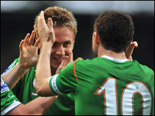 Kevin Doyle (left) after his 13th-minute goal