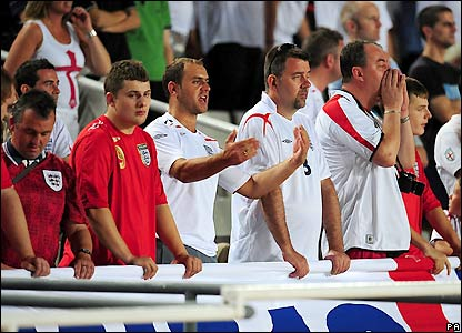 Disgruntled England fans boo their team