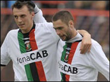 Michael Halliday (left) with goalscorer Gary Hamilton