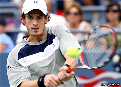Andy Murray beat Sergio Roitman 6-3 6-4 6-0 in round one at Flushing Meadows.