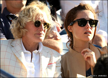 Glenn Close (left) and Rose Byrne
