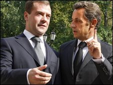Dmitry Medvedev (left) and Nicolas Sarkozy
