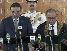 Asif Ali Zardari takes presidential oath