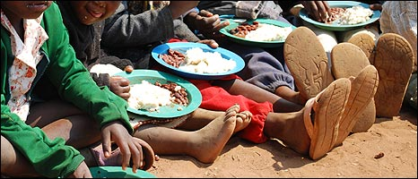 Children eating [Pic: Matthew Cochrane - IFRC]